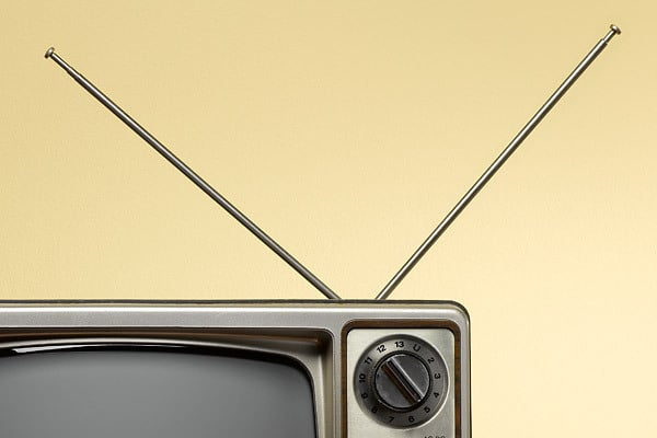 TV antenna that picks up cable channels