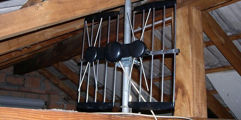 Top 10 Best Attic Antennas: How to Install Antenna in your Attic
